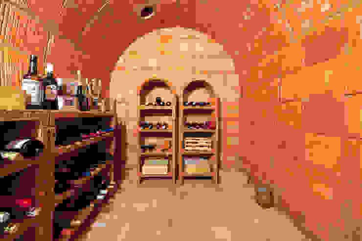 Traumhafte Aussichten Mediterrane Weinkeller von Haacke Haus GmbH Co. KG Mediterran