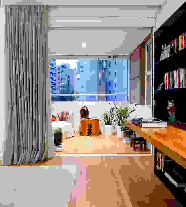 VNC APARTAMENTO Varandas, alpendres e terraços modernos por Noura van Dijk Interior Design Moderno