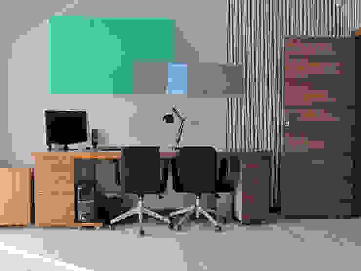4 Nowoczesne domowe biuro i gabinet od Projekt Kolektyw Sp. z o.o. Nowoczesny