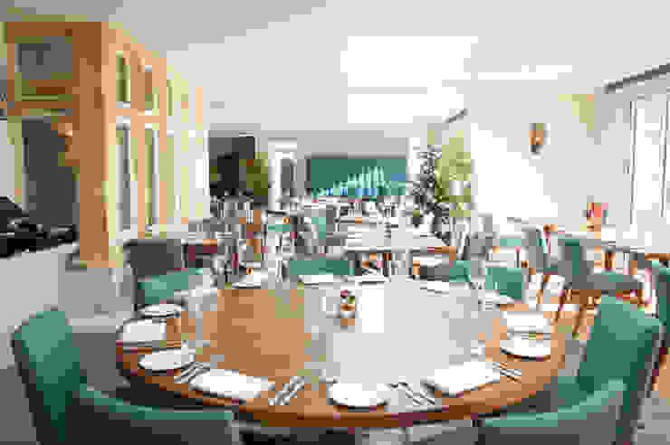 Restaurant bởi Deborah Drew Designs Hiện đại