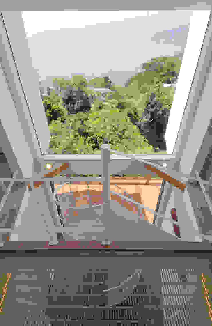 Pasillos, vestíbulos y escaleras modernos de ディアーキテクト設計事務所 Moderno