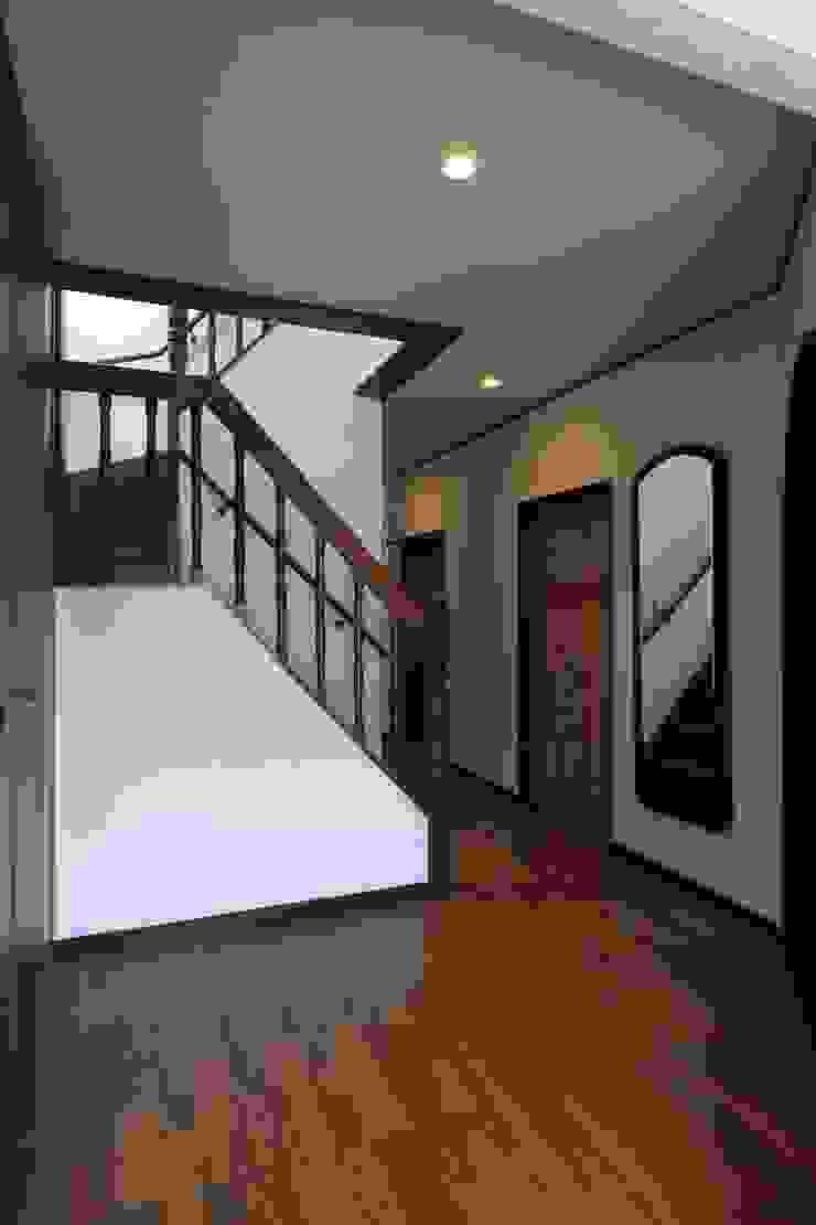 玄関ホール モダンスタイルの 玄関&廊下&階段 の 株式会社伏見屋一級建築士事務所 モダン