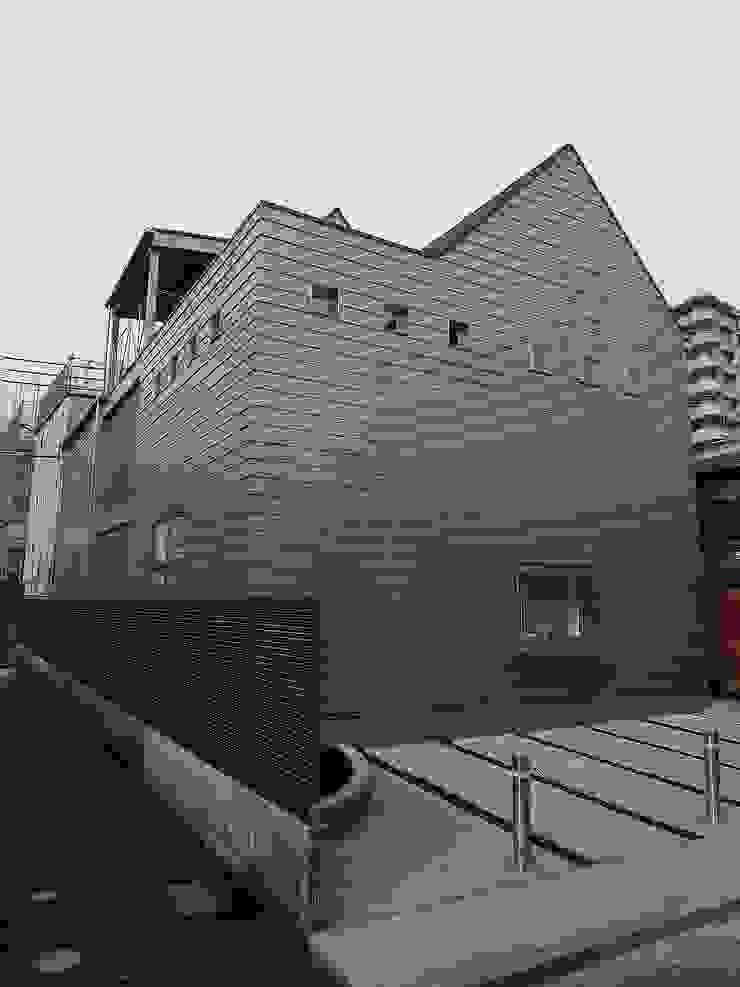 シンプルな家の外観01 モダンな 家 の 桑原建築設計室 モダン