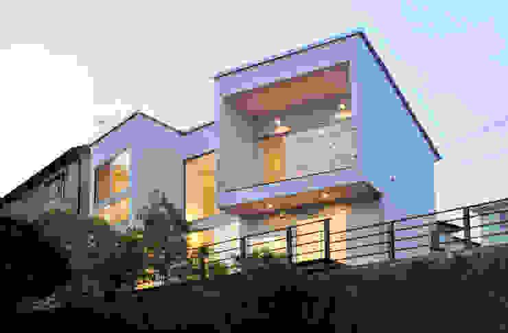 ディアーキテクト設計事務所의  주택, 모던