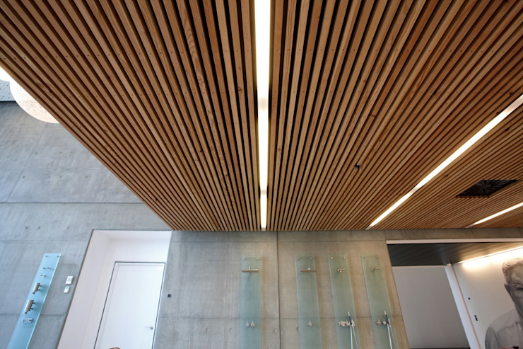 Corredores, halls e escadas minimalistas por Deckon Asma Tavan Sistemleri Minimalista