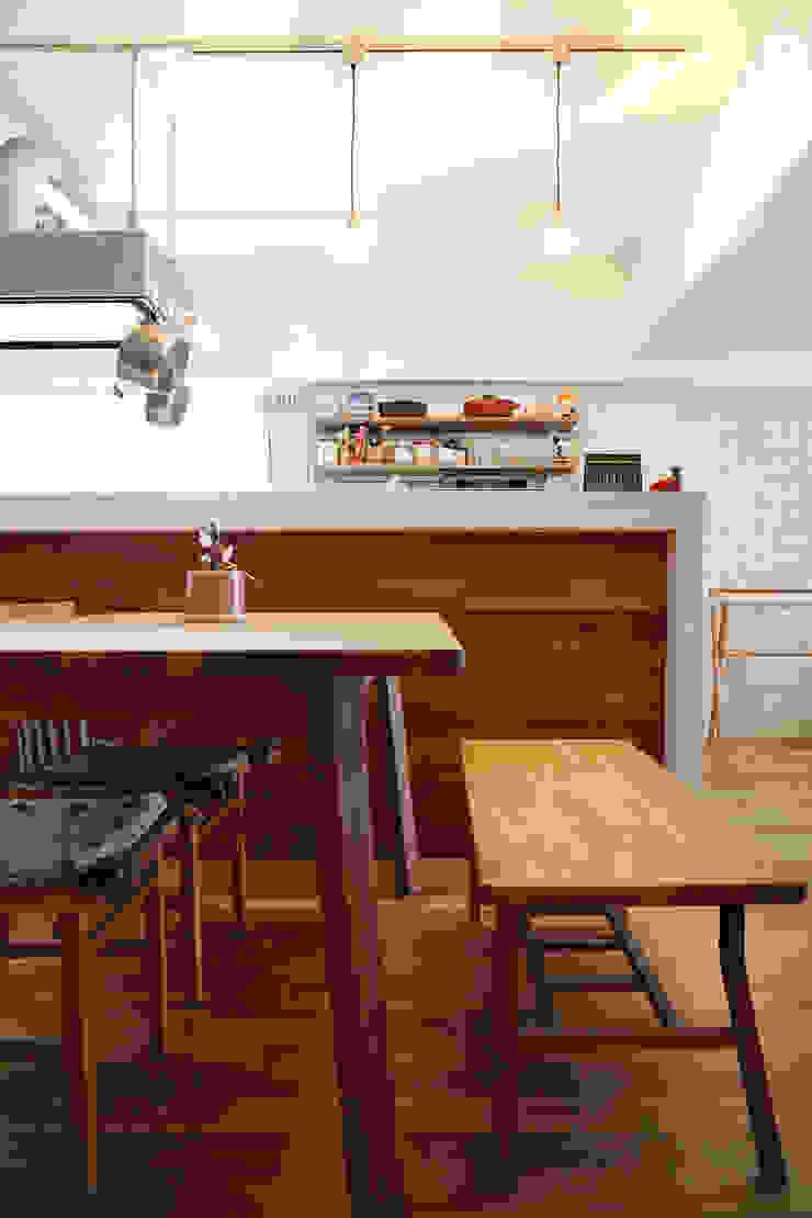 築34年マンションの劇的リノベーション! 北欧デザインの リビング の 株式会社スタイル工房 北欧