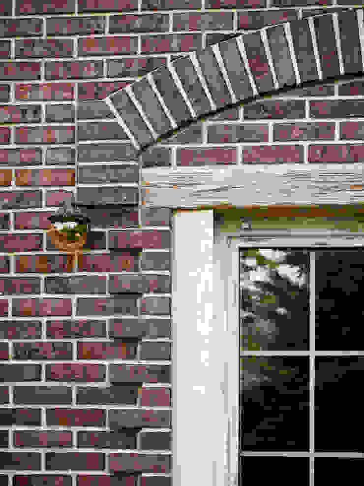 Z house 2 Окна и двери в эклектичном стиле от Didenkül+Partners Эклектичный