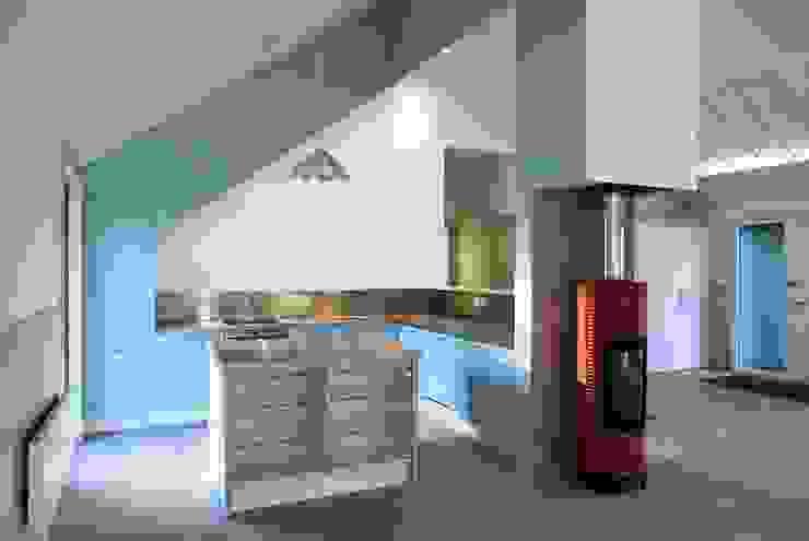 Cedar House Cocinas de estilo moderno de Hudson Architects Moderno