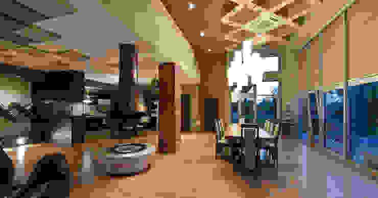 Salas de estar minimalistas por Didenkül+Partners Minimalista
