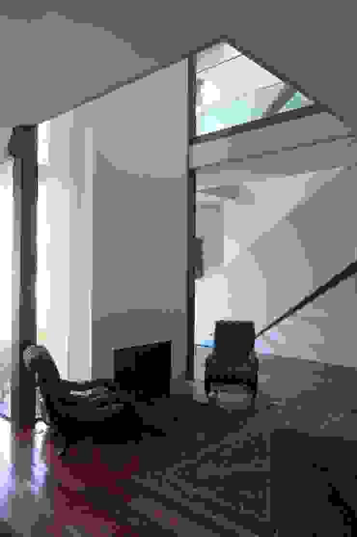Casa III Salas de estar modernas por A. BURMESTER ARQUITECTOS Moderno