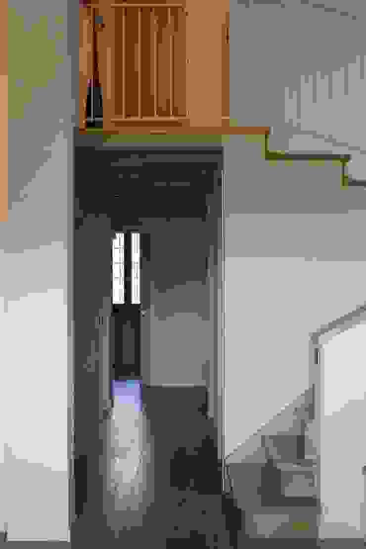 Modularis Progettazione e Arredo Eclectische gangen, hallen & trappenhuizen