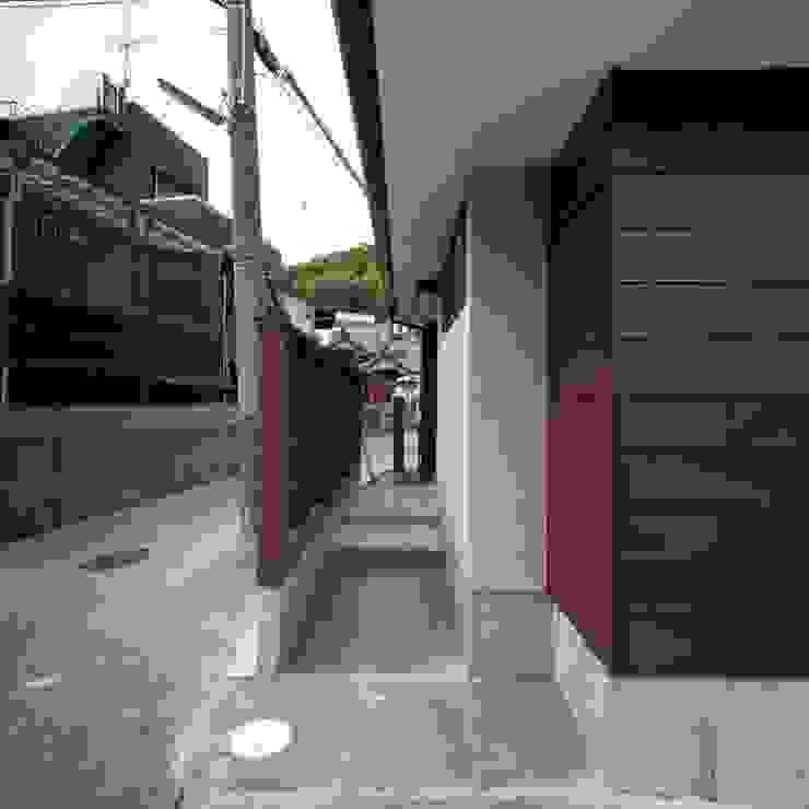 アプローチ 北欧風 家 の 家山真建築研究室 Makoto Ieyama Architect Office 北欧