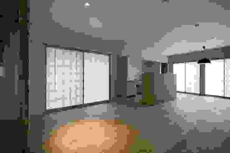 リビング・ダイニング・キッチン 北欧デザインの リビング の 家山真建築研究室 Makoto Ieyama Architect Office 北欧