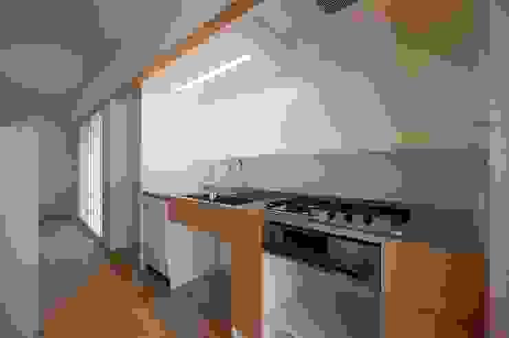 キッチン 北欧デザインの キッチン の 家山真建築研究室 Makoto Ieyama Architect Office 北欧