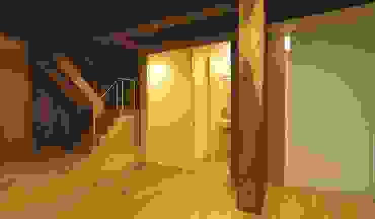 水廻りボックス: 家山真建築研究室 Makoto Ieyama Architect Officeが手掛けた浴室です。,モダン