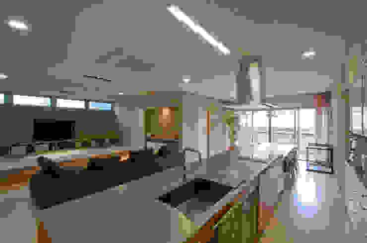 キッチン モダンな キッチン の 家山真建築研究室 Makoto Ieyama Architect Office モダン