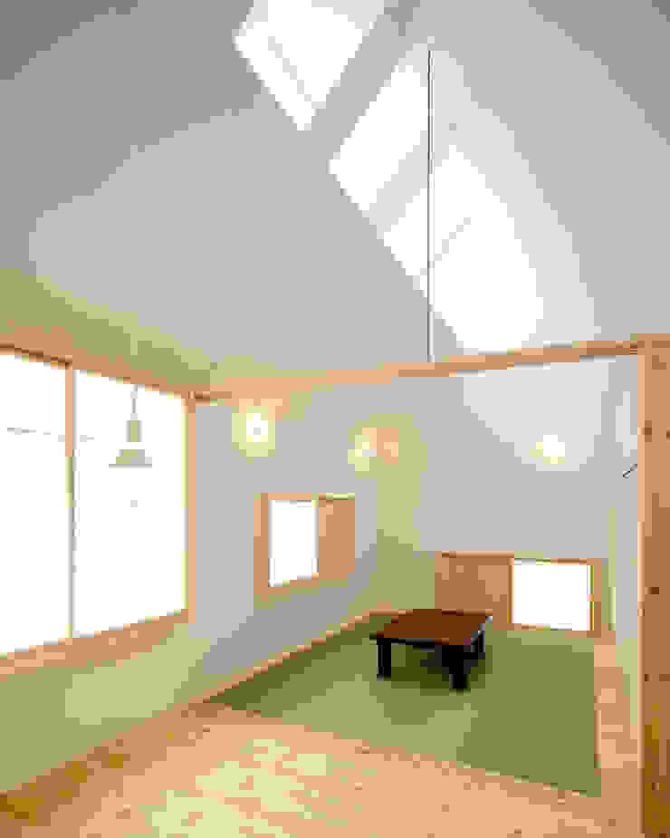 Minimalistische Wohnzimmer von 星設計室 Minimalistisch