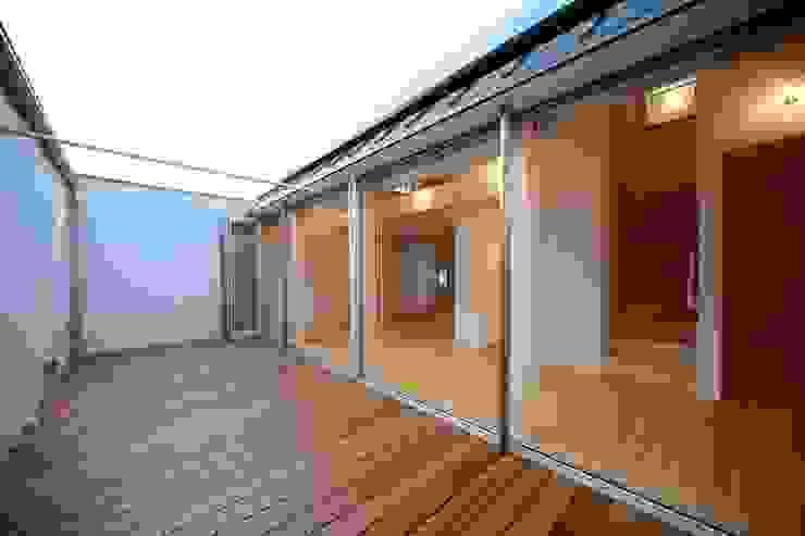 Jardines de estilo minimalista de 星設計室 Minimalista