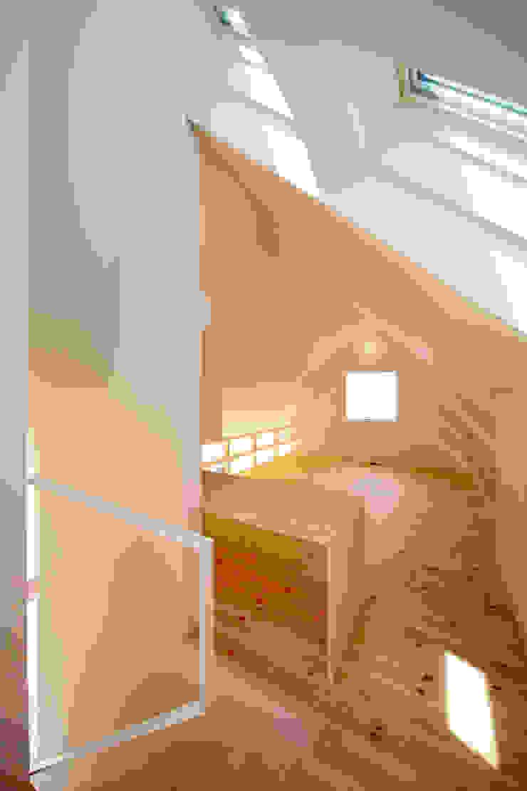 Minimalistische Kinderzimmer von 星設計室 Minimalistisch