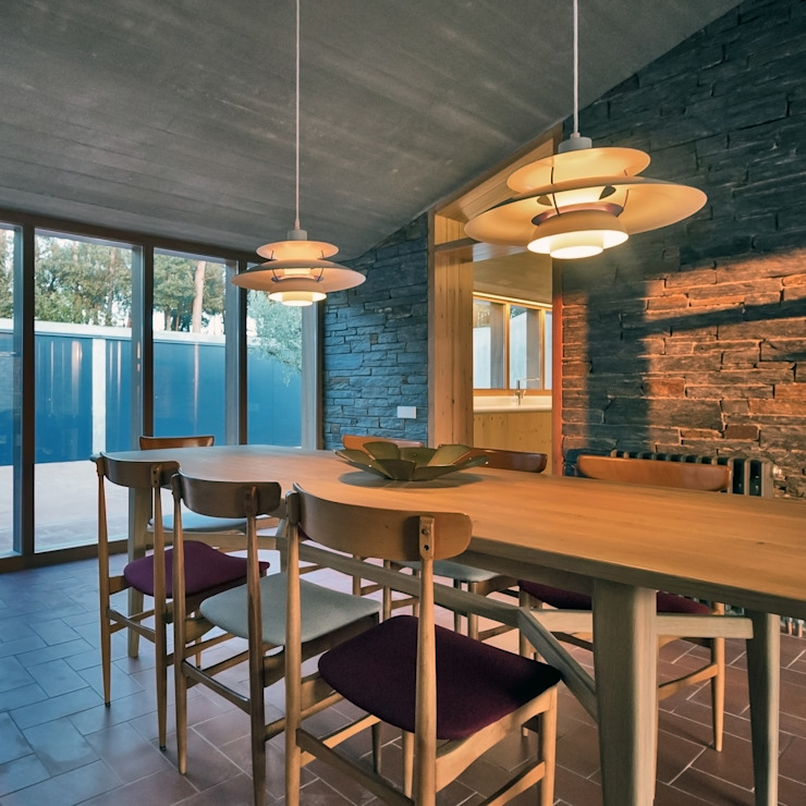 Modern Dining Room by bellafilarquitectes Modern