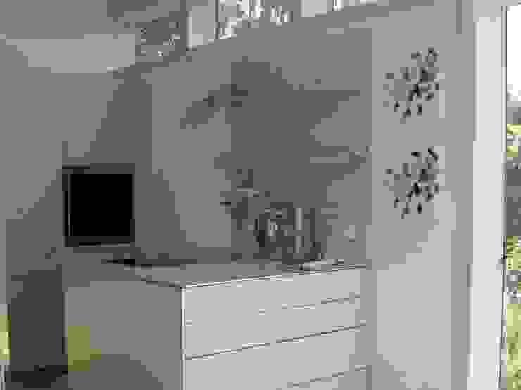 Küchenansicht im Anbau Moderne Küchen von RiekeGüntscheArchitekten BDA Modern