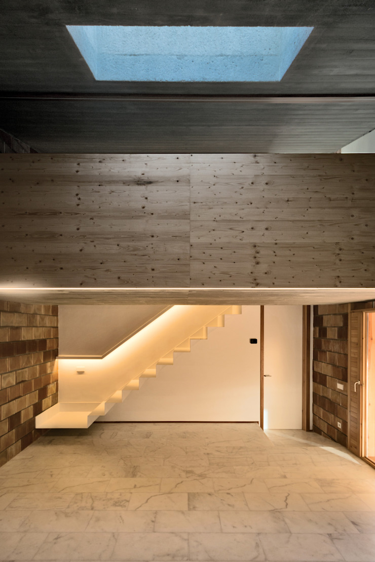 Country style corridor, hallway& stairs by bellafilarquitectes Country