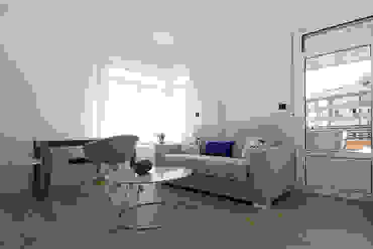 Decoración de casa moderna y actual para familia con niños Salas multimedia de estilo moderno de Sube Susaeta Interiorismo Moderno