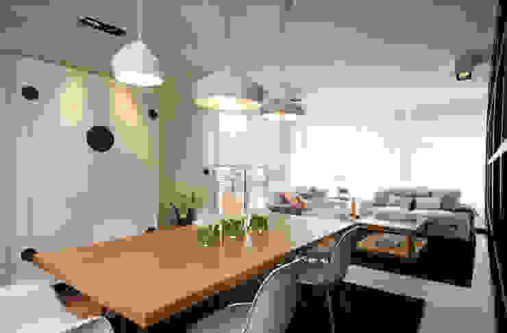Moderne Wohnzimmer von Sube Susaeta Interiorismo Modern