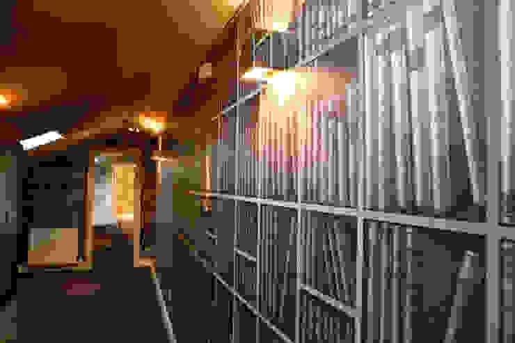 Decoración interior de duplex acogedor, Sube Susaeta Interiorismo - Sube Contract Pasillos, vestíbulos y escaleras de estilo clásico de Sube Susaeta Interiorismo Clásico