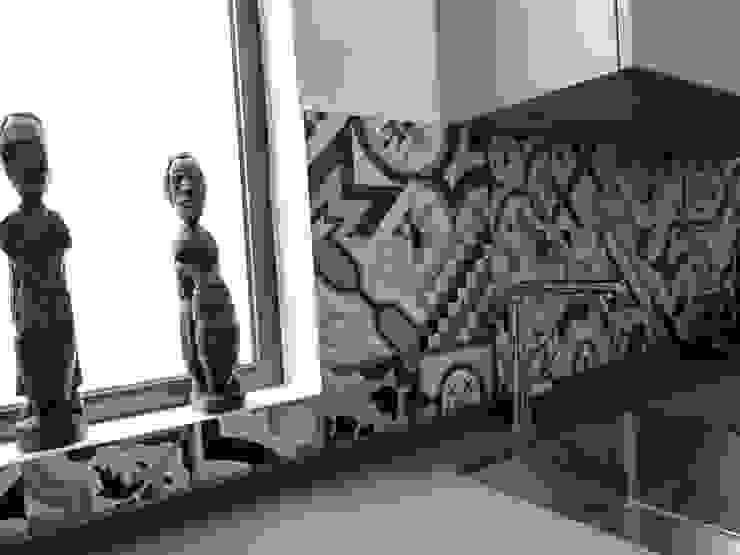 COCINA DE MJ&P. Aplacado pared tipo Mosaico hidraulico de RENOVA INTERIORS Moderno