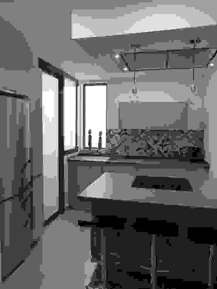 COCINA DE MJ&P Cocinas de estilo moderno de RENOVA INTERIORS Moderno