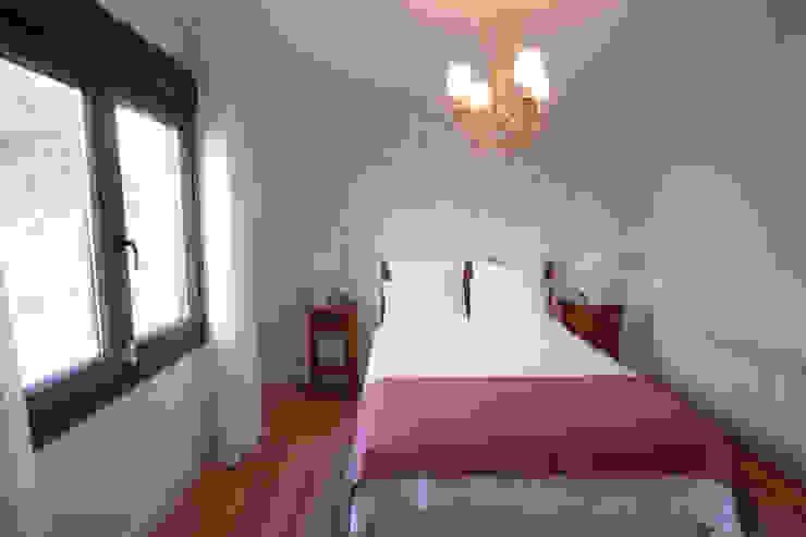 Dormitorio de invitados Baños clásicos de Canexel Clásico