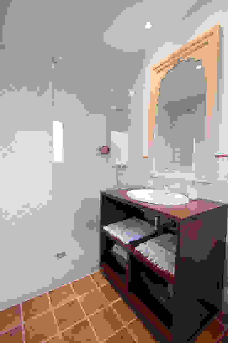 Baño invitados Baños de estilo clásico de Canexel Clásico