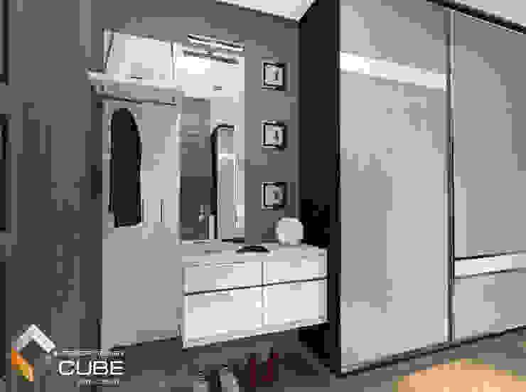Pasillos y vestíbulos de estilo  de Лаборатория дизайна 'КУБ', Minimalista