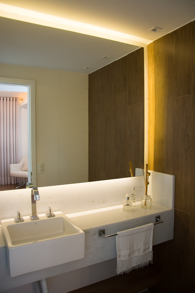 Lindoia Apartment Minimalist style bathroom by Bibiana Menegaz - Arquitetura de Atmosfera Minimalist