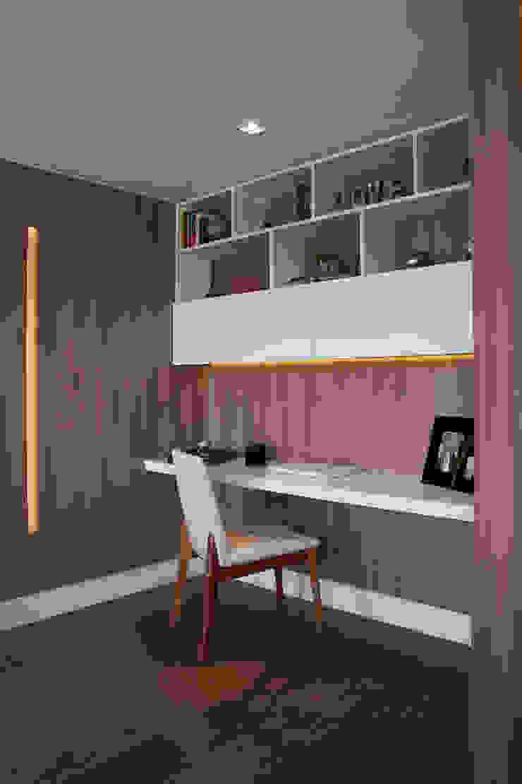Lindoia Apartment by Bibiana Menegaz - Arquitetura de Atmosfera Minimalist