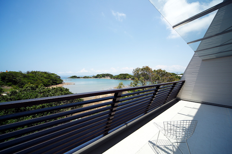 白浜の別荘 モダンデザインの テラス の 一級建築士事務所 増田寿史建築事務所 モダン