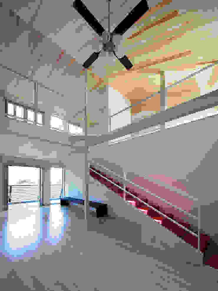 白浜の別荘 モダンスタイルの寝室 の 一級建築士事務所 増田寿史建築事務所 モダン