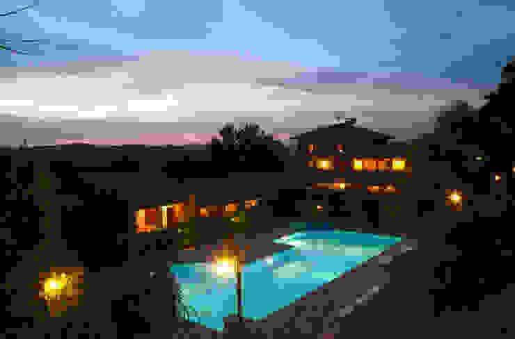 Vista notturna Casa rurale di Studio di Bioarchitettura Brozzetti Adriano Rurale