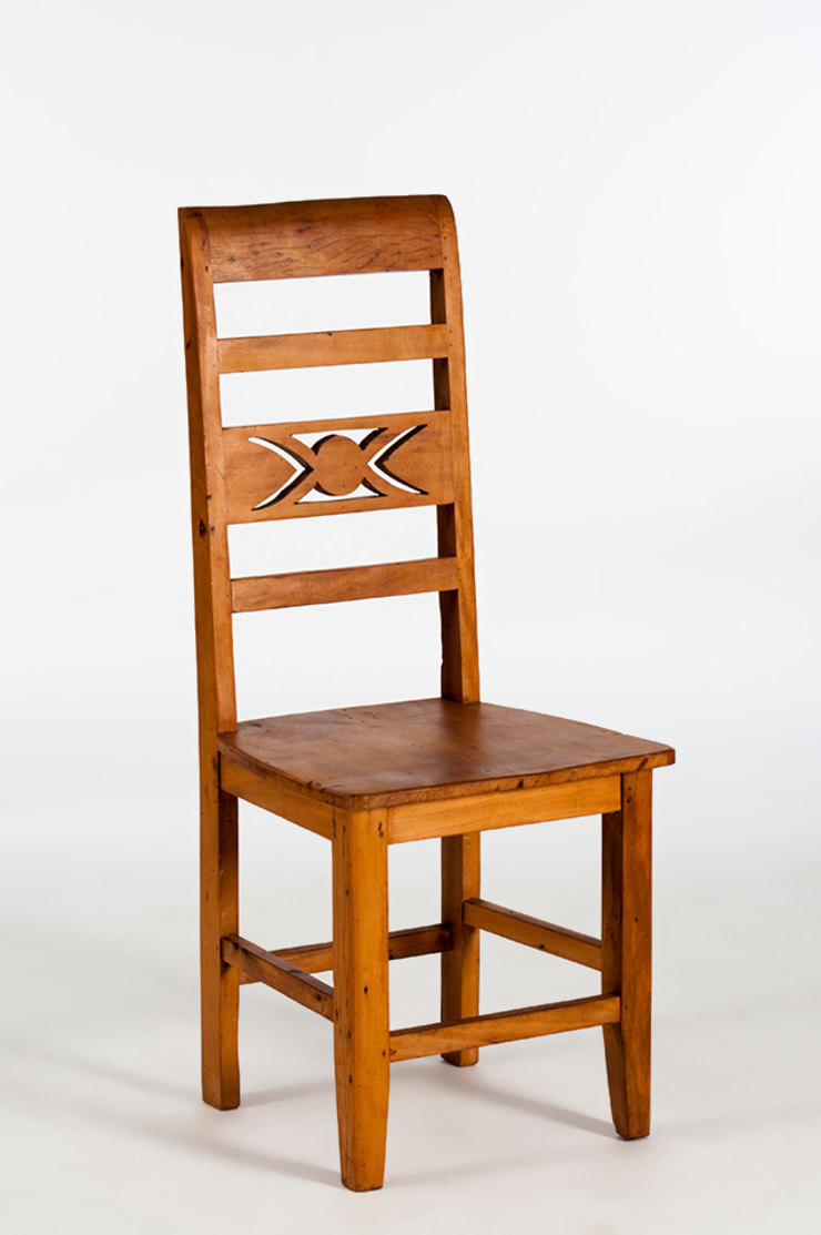 Trapiche Carioca ห้องนั่งเล่นเก้าอี้และเก้าอี้สูง