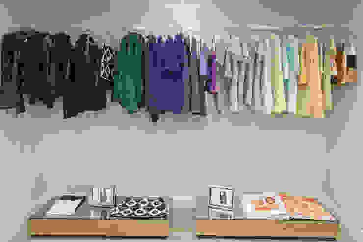 Loja AMMIS Lojas & Imóveis comerciais modernos por Gláucia Britto Moderno