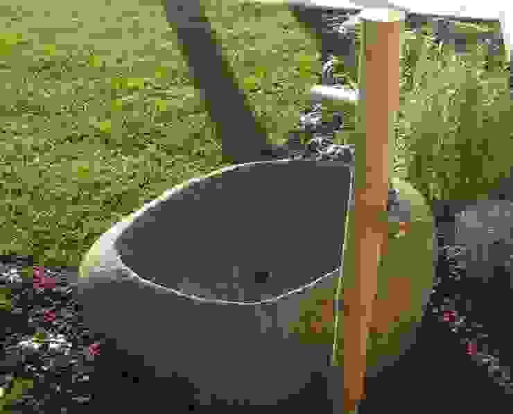 Minimalist style garden by ESTERNIDAUTORE Minimalist