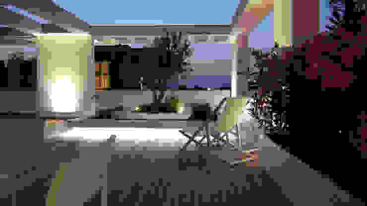 Balcones y terrazas de estilo minimalista de ESTERNIDAUTORE Minimalista
