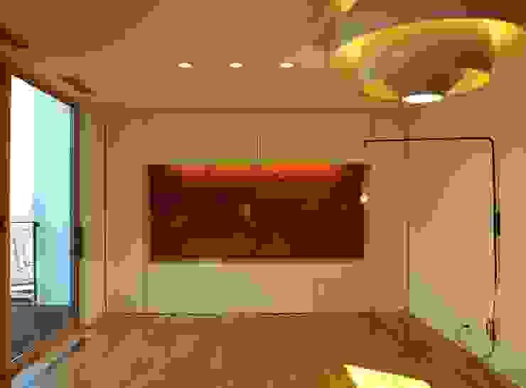 T2-house モダンデザインの リビング の SO-DESIGN建築設計室 モダン 木 木目調