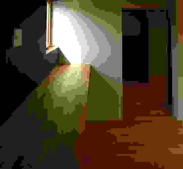 T2-house モダンスタイルの寝室 の SO-DESIGN建築設計室 モダン 木 木目調