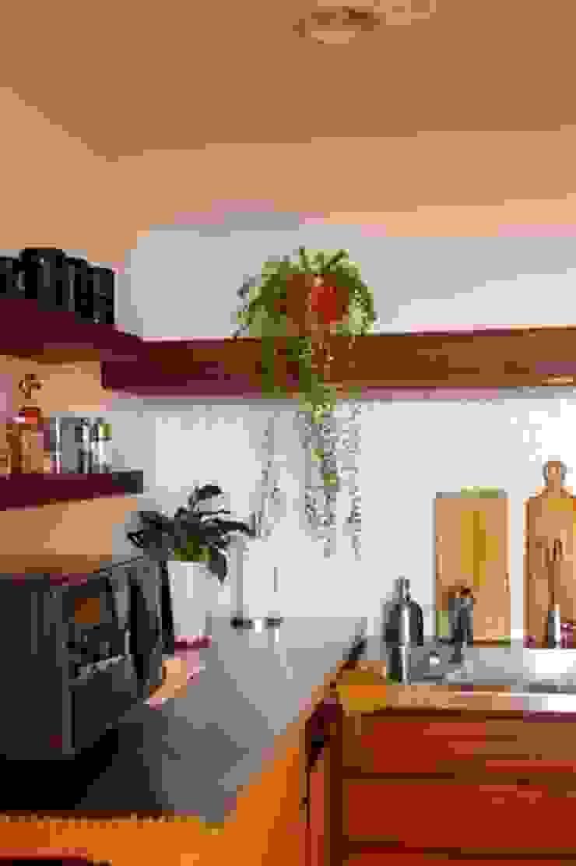 オープンキッチンのあるマンションリフォーム(渋谷) オリジナルデザインの キッチン の Style is Still Living ,inc. オリジナル
