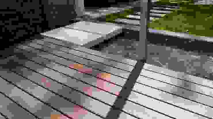 Сад в стиле минимализм от ESTERNIDAUTORE Минимализм