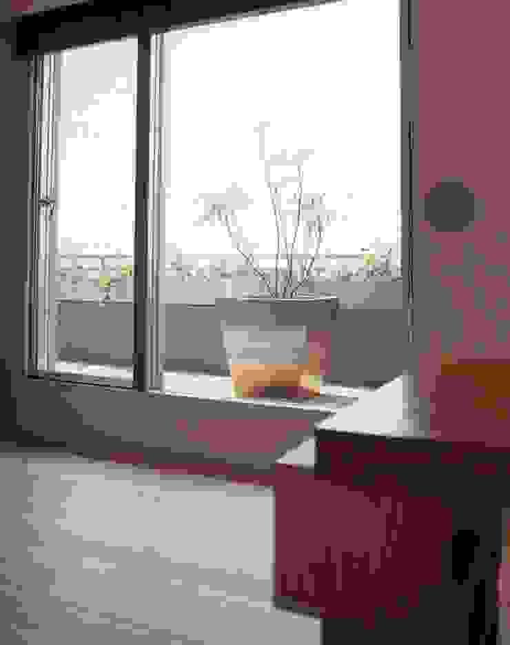 新築マンションリノベーション(東京 世田谷) オリジナルデザインの テラス の Style is Still Living ,inc. オリジナル