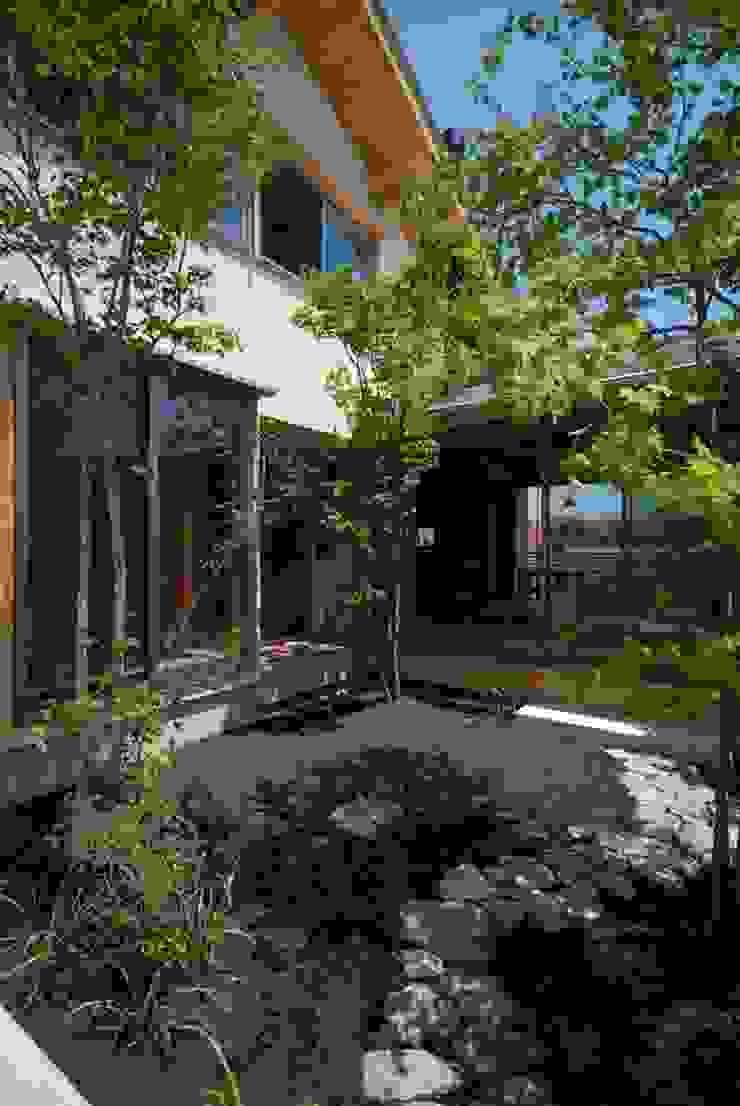 留木の家 オリジナルな 庭 の 神谷建築スタジオ オリジナル