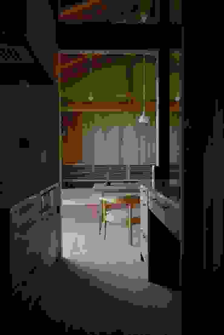 留木の家 オリジナルデザインの キッチン の 神谷建築スタジオ オリジナル